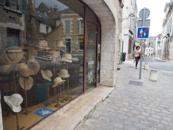 Hat style. Brought back memories of the extensive hat collection I had when I visited Blois last.
